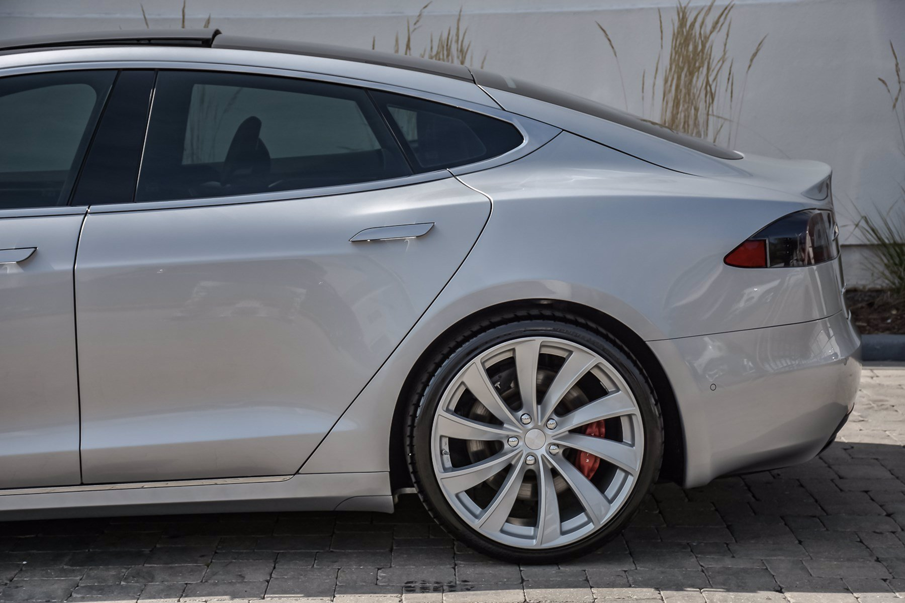 Pre-Owned 2016 Tesla Model S P100D