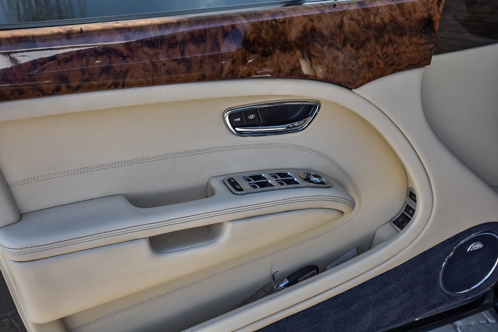Pre-Owned 2011 Bentley Mulsanne w/Naim Audio &