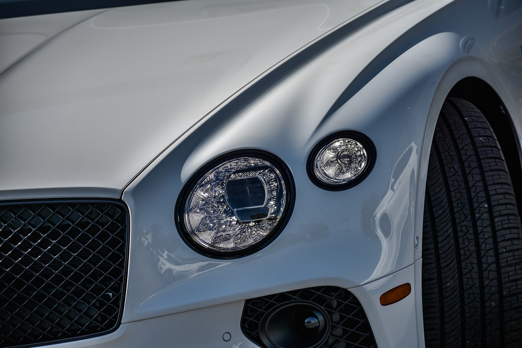 New 2020 Bentley Continental GTC V8 w/Naim