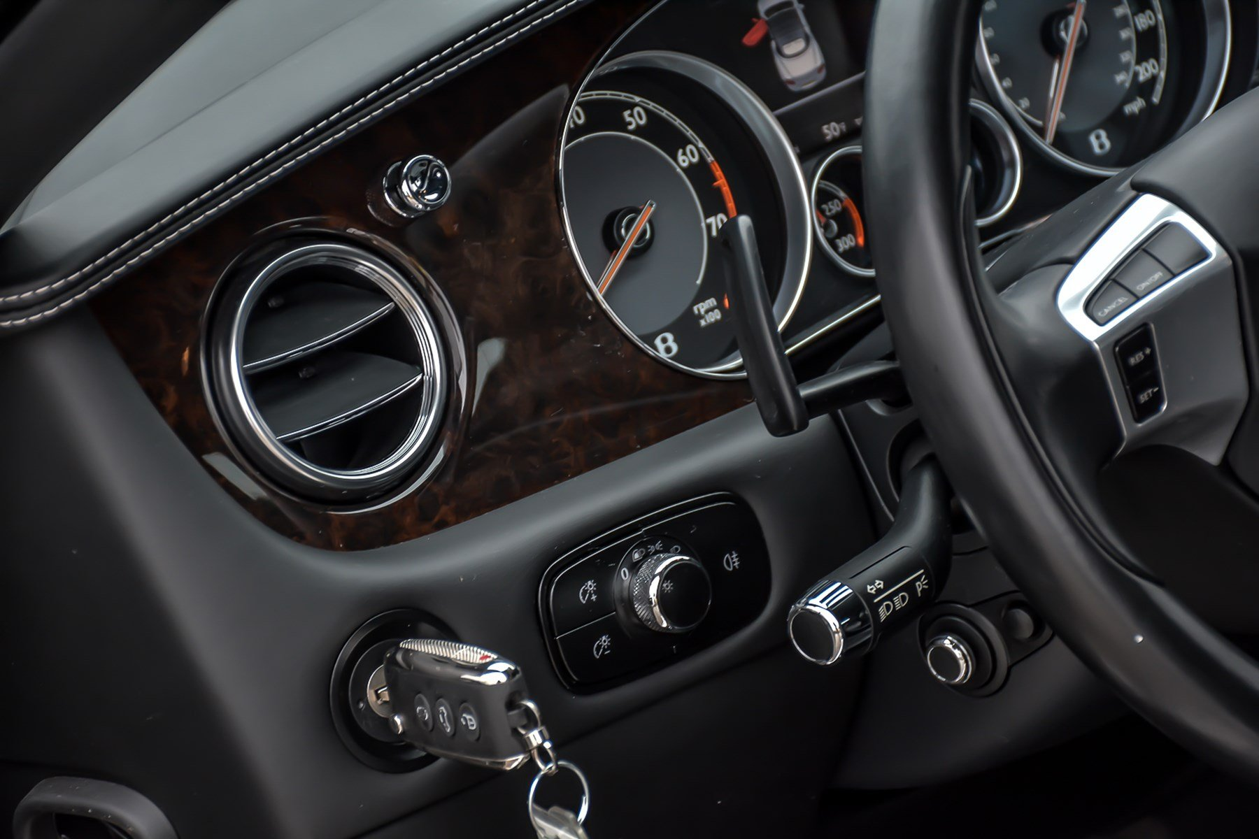 Pre-Owned 2012 Bentley Continental GTC Mulliner With Sports Specification/Navigation