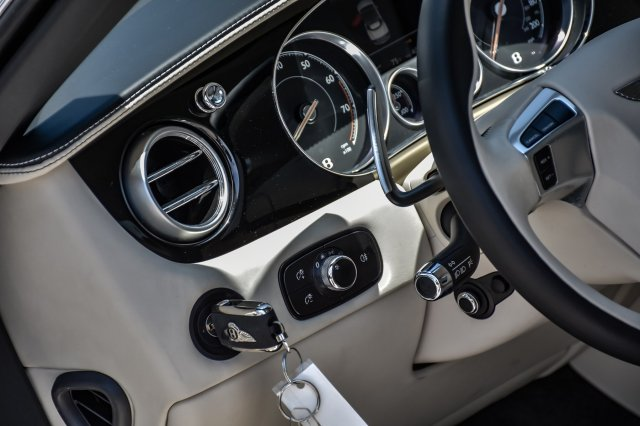 Pre-Owned 2016 Bentley Continental GTC V8 Mulliner
