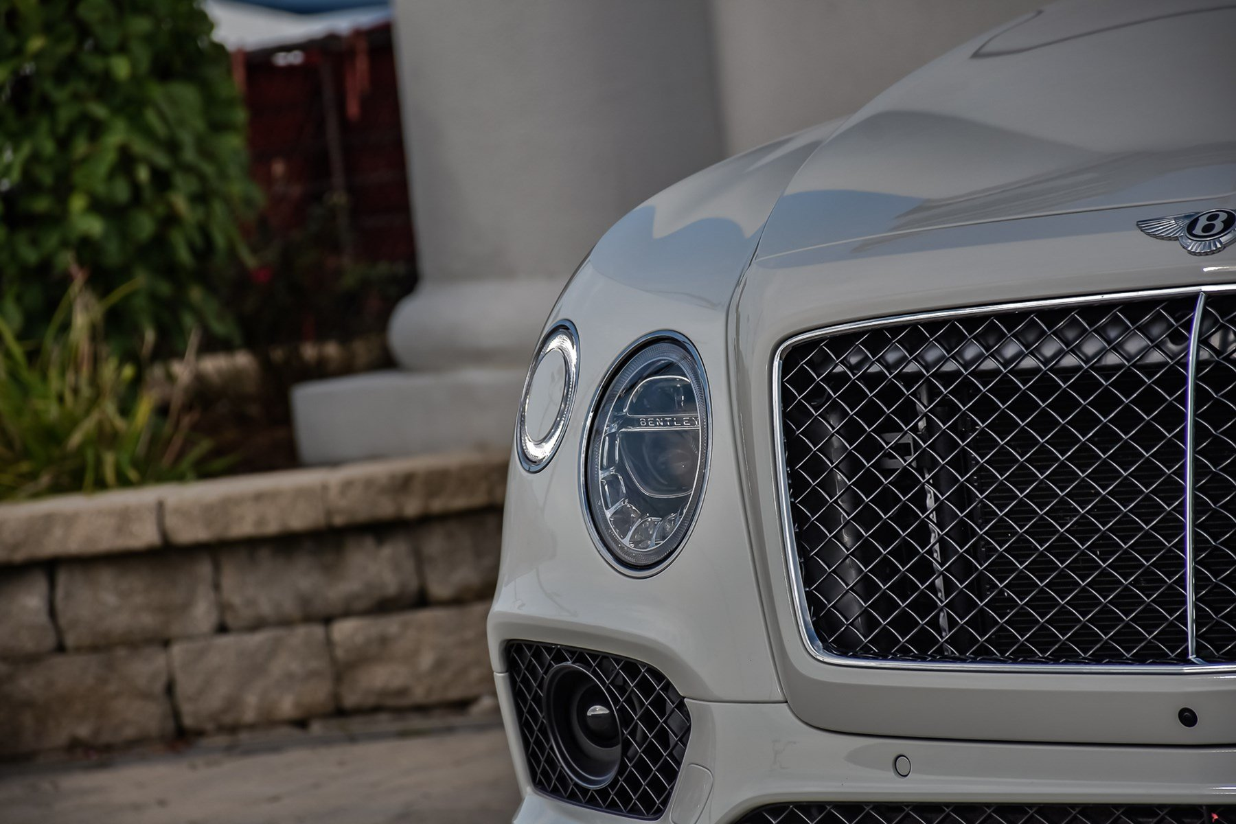Pre-Owned 2019 Bentley Bentayga V8 With Navigation