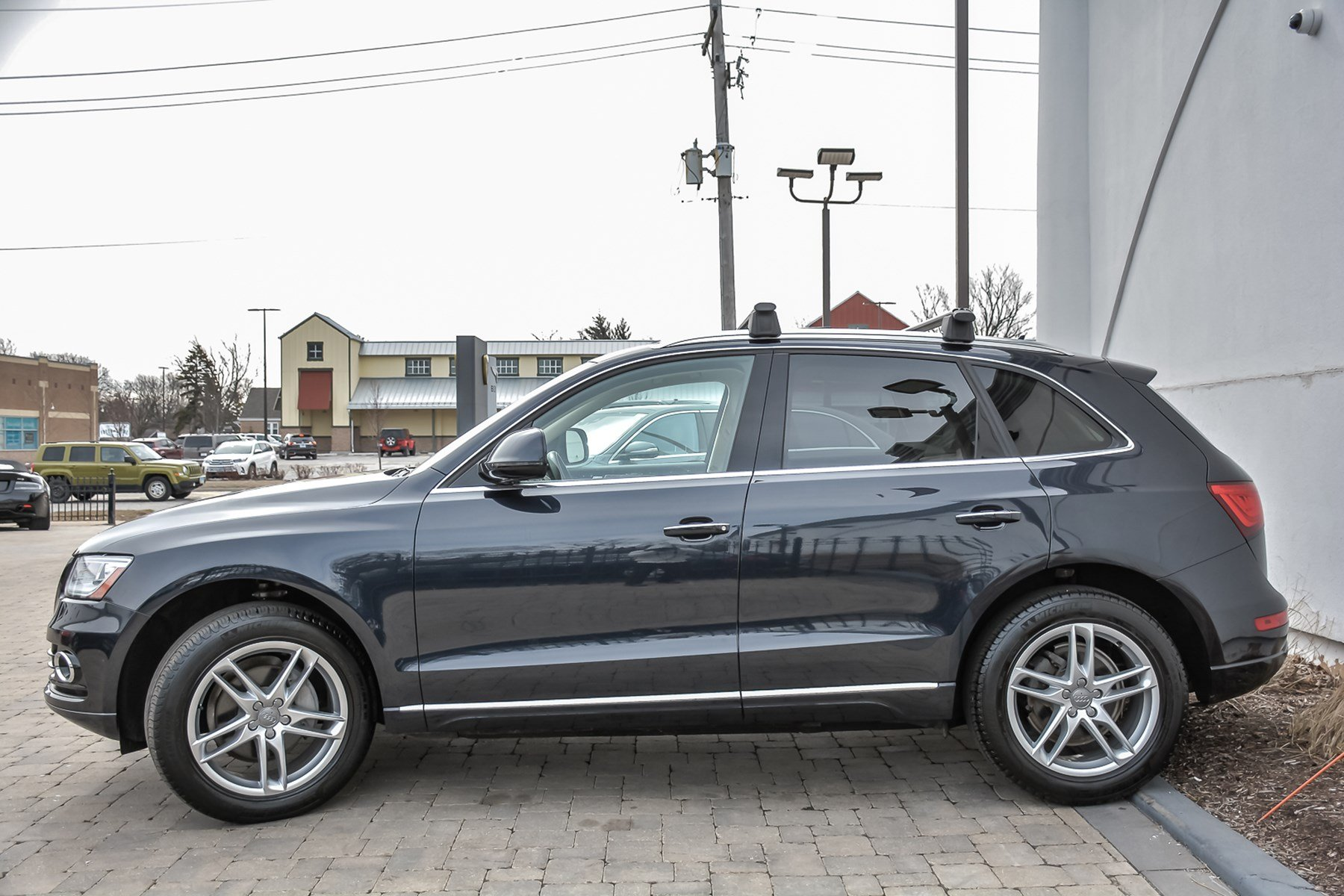 Pre-Owned 2016 Audi Q5 Premium Plus With Navigation