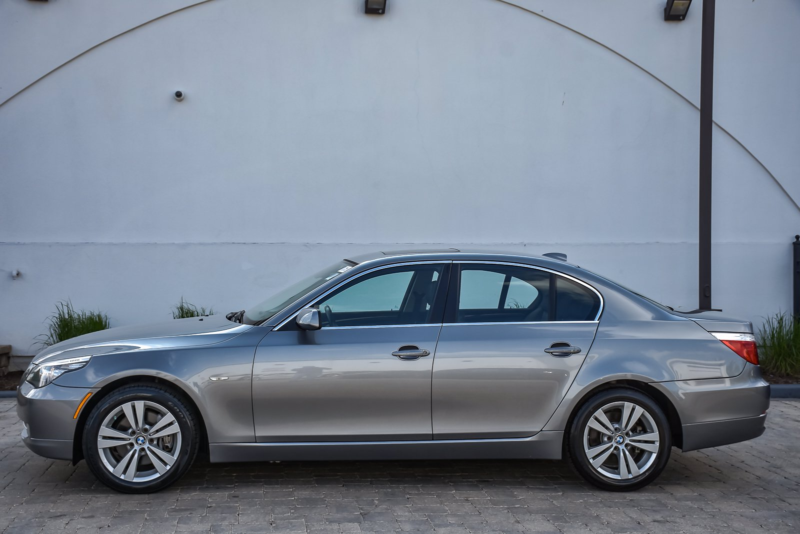 Pre-Owned 2010 BMW 5 Series 528i xDrive Premium