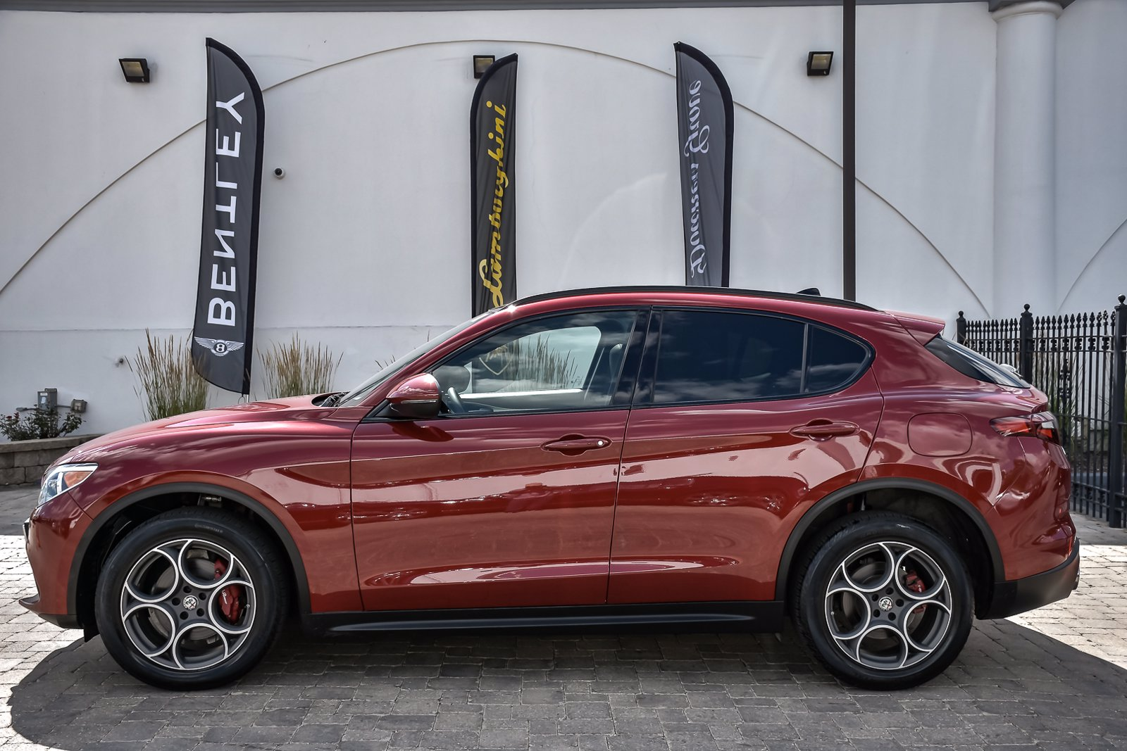 Pre-Owned 2018 Alfa Romeo Stelvio Ti Sport With Navigation