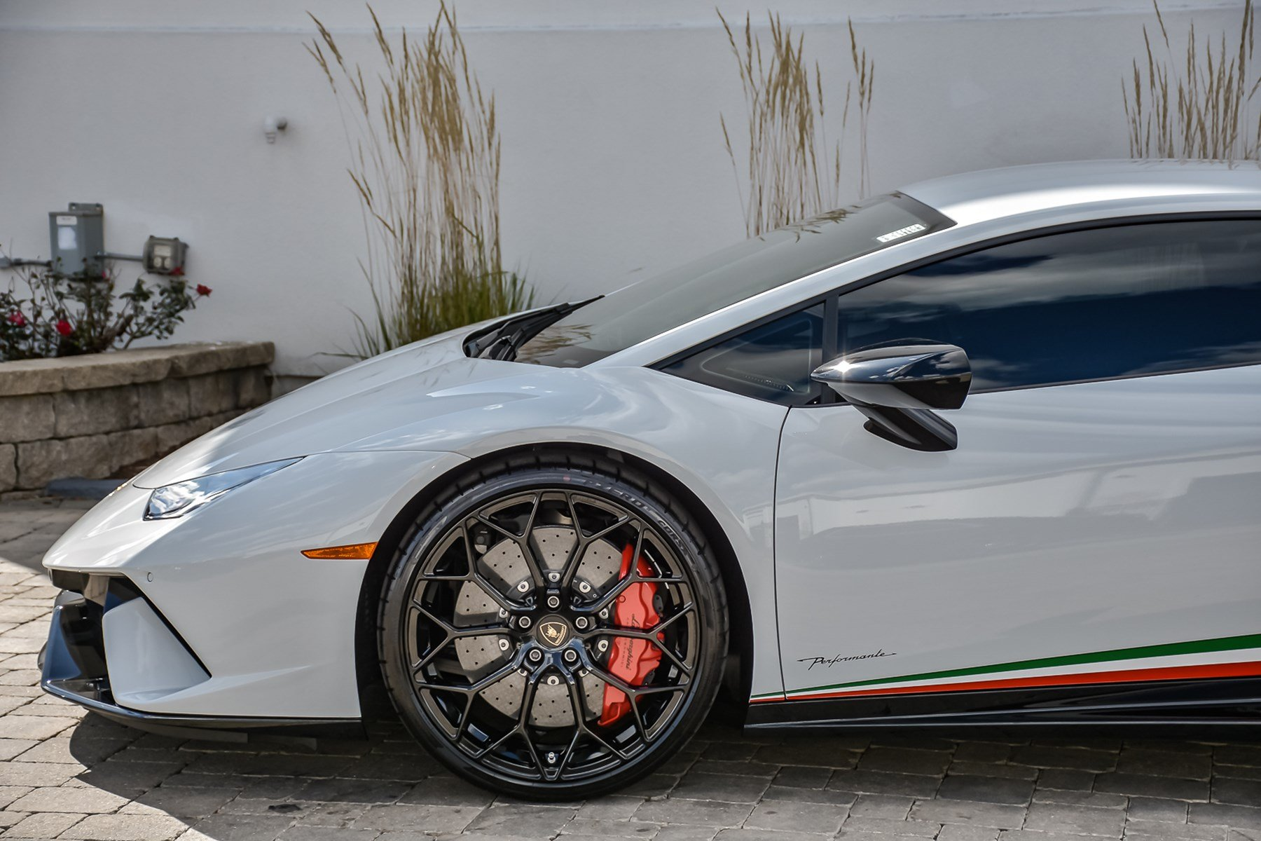Pre-Owned 2018 Lamborghini Huracan Performante With Navigation