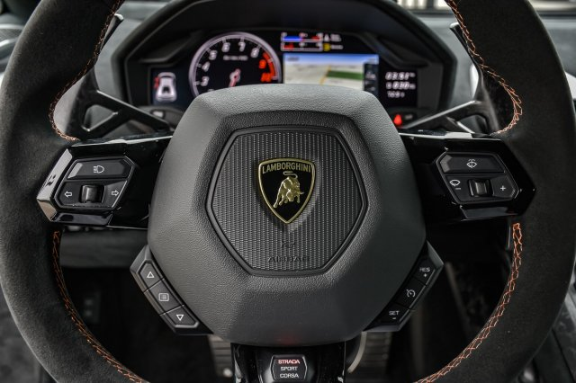 Pre-Owned 2018 Lamborghini Huracan Performante
